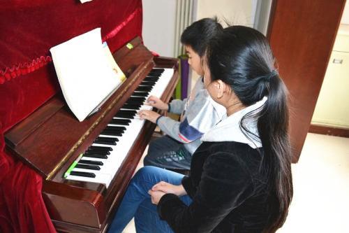 提高少儿专业钢琴培训兴趣的方法有哪些