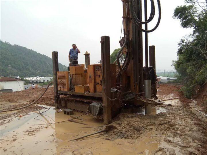 机械打深水井