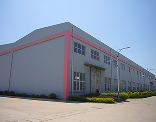 吉安植物精油厂家首先开创了有机植物精油萃取基地
