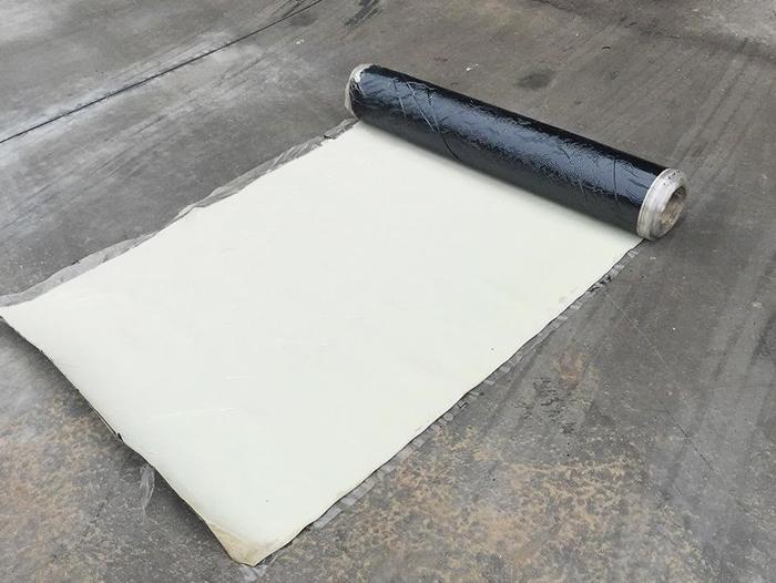 自粘复合防水板