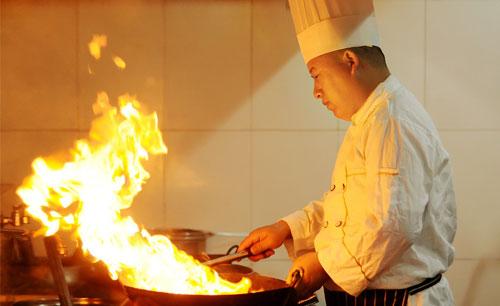 中州技校技师学院的大门都为你敞开。厨师培训首选