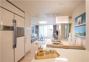 巴塞罗那富人区复式三居公寓