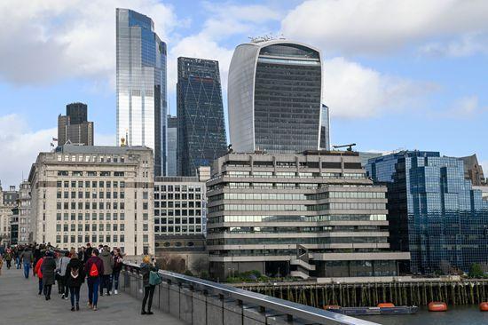 """企业、金融机构纷纷出走,英国脱欧是""""人财两空""""吗?"""