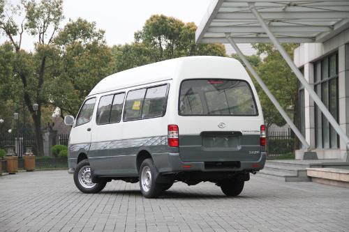 乌鲁木齐旅游租车价格