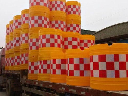 乌鲁木齐防撞桶厂家提醒设置应…