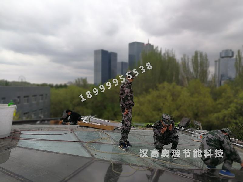 新疆建筑防爆膜防止玻璃自爆伤人