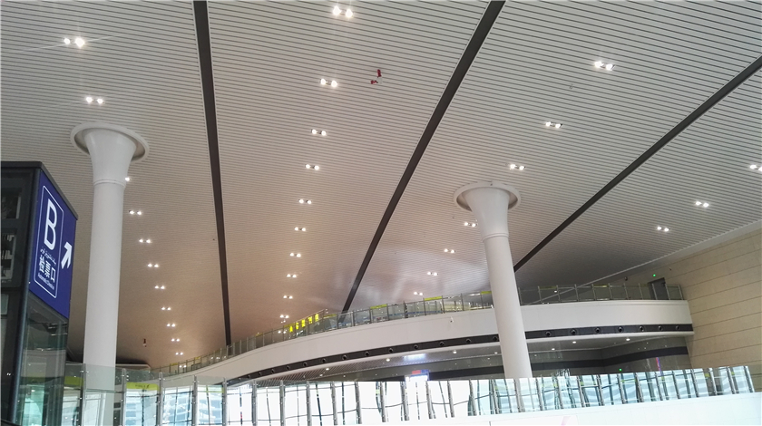 GRC产品展示高铁站柱子