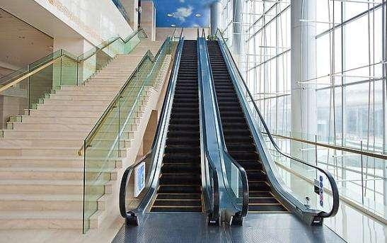 人行道扶梯