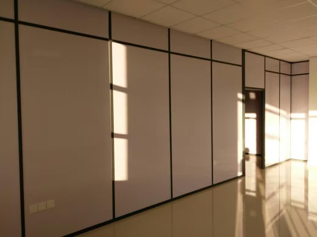 办公室玻璃隔断在安装时这些步骤不可忽略