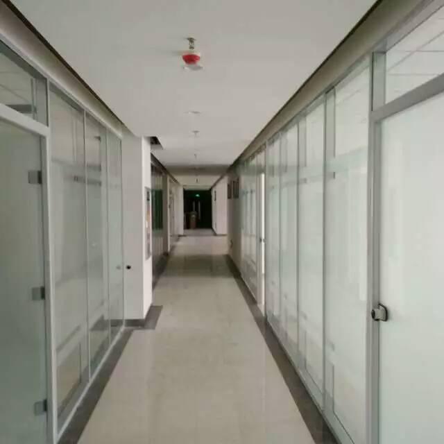 办公室设计装修玻璃隔断知识