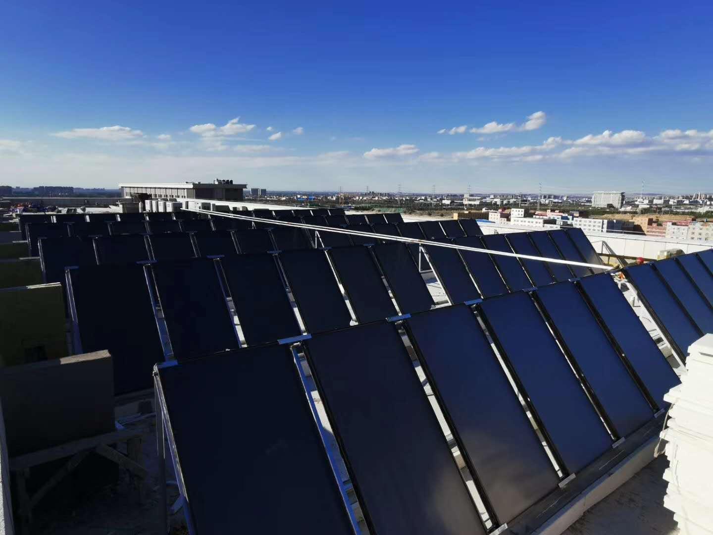 新疆乌鲁木齐·地铁一号线基地平板太阳能集热工程 空气源热泵工程