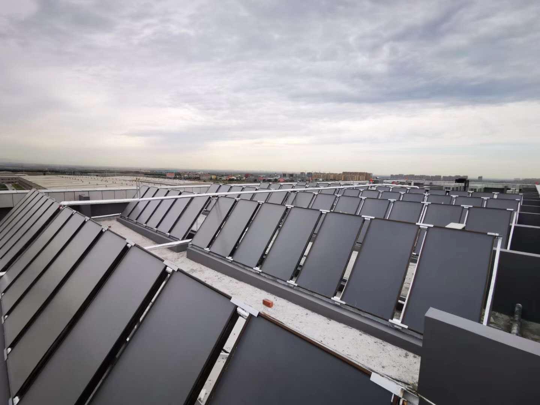 新疆乌鲁木齐·地铁一号线基地平板太阳能集热工程,空气源热泵工程.