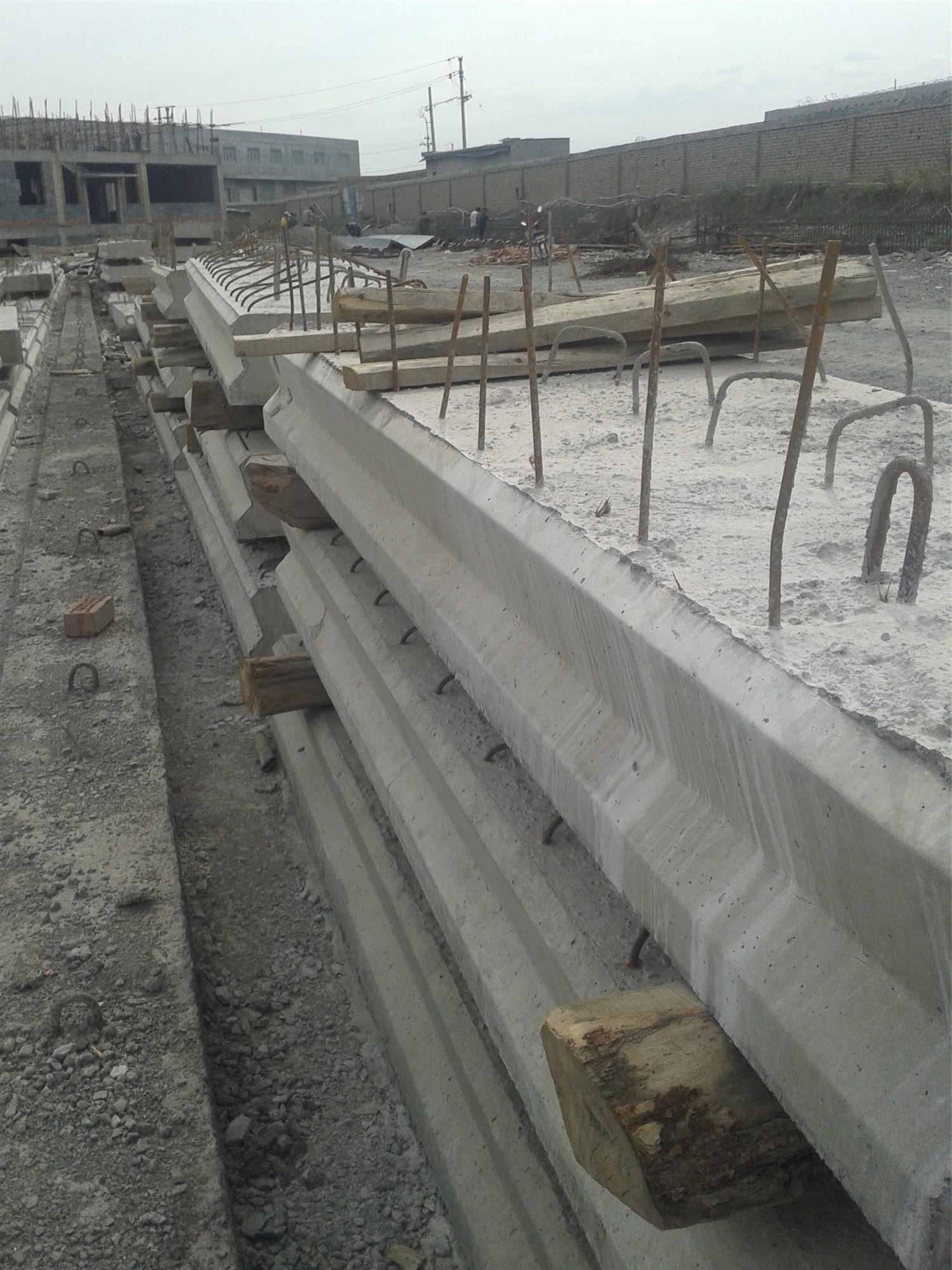 高铁桥盖板