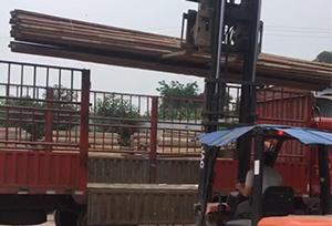 重庆旧钢管装货中