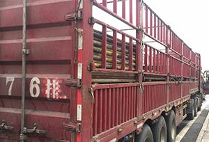 重庆旧架管装货
