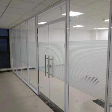 办公室玻璃隔断价格