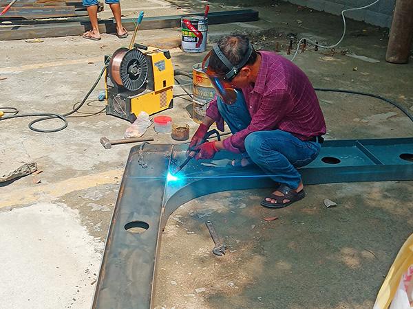 停车棚修建工程