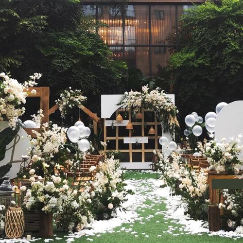 户外派对婚礼典礼(北京城区内)</br>活动类型:主题婚礼、民宿、派对