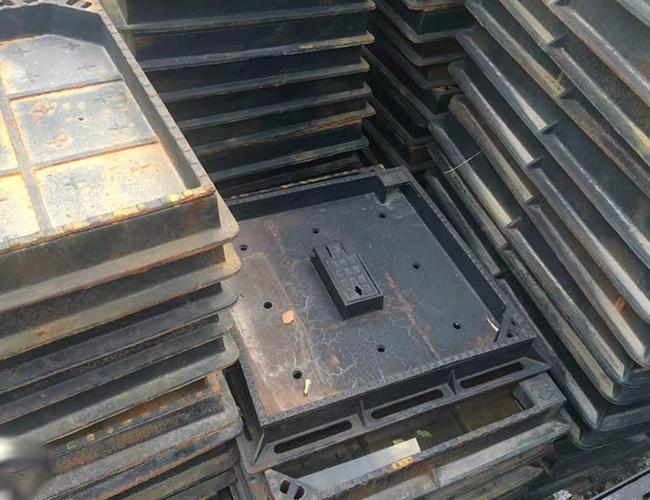 方形铸铁井盖