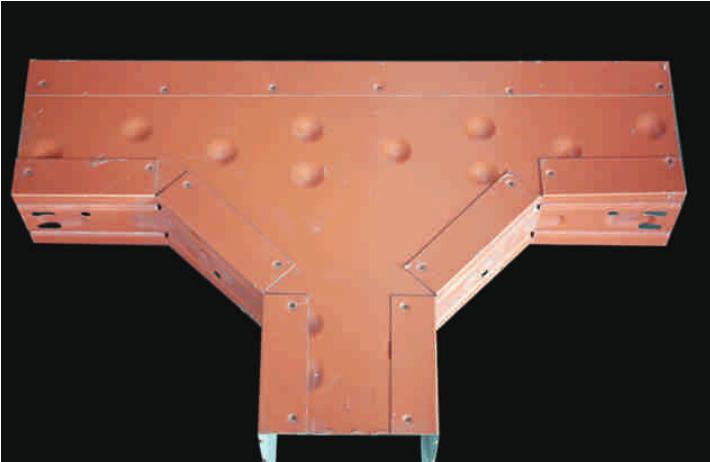 新型彩钢桥架