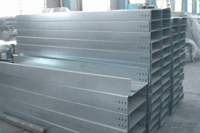 防腐钢制镀锌槽式电缆桥架