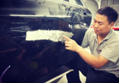铝车身覆盖件损坏