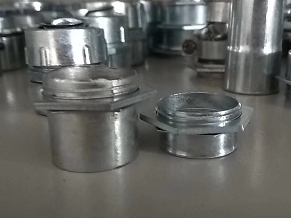 自固式金属软管接头