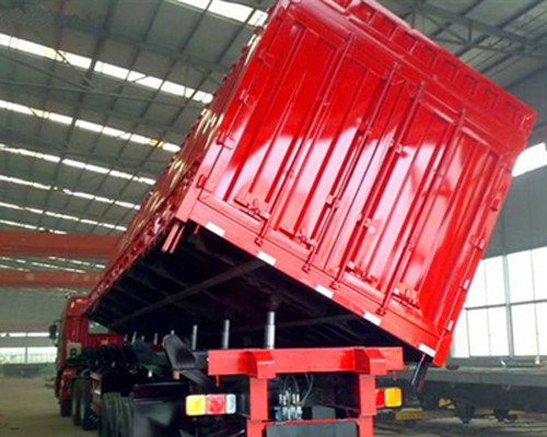 河南自卸半挂车一般会使用高强钢车轮,它是一种耐力很大的车轮