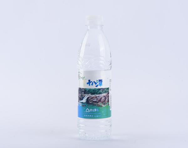 瓶装水产品展示-6