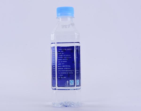 瓶装水产品展示-8