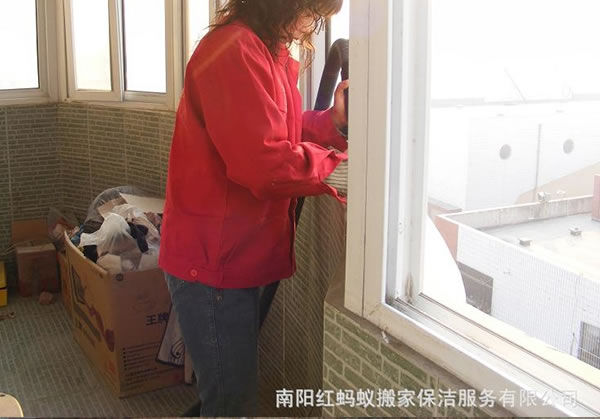 一般南阳保洁公司是怎么拆洗珠帘的?