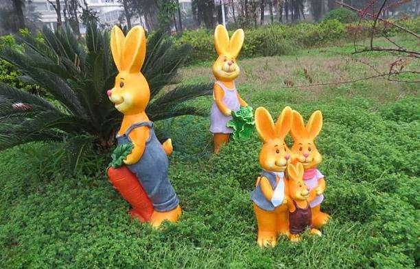 吉安卡通动物雕塑
