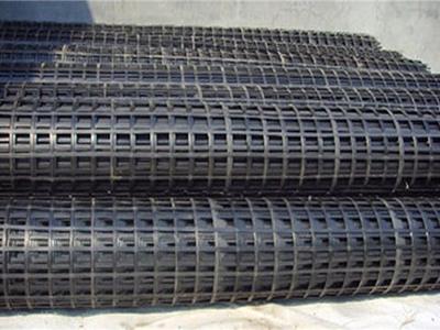 宣宣玻纤土工格栅能够防止沥青路面出现裂缝的原因
