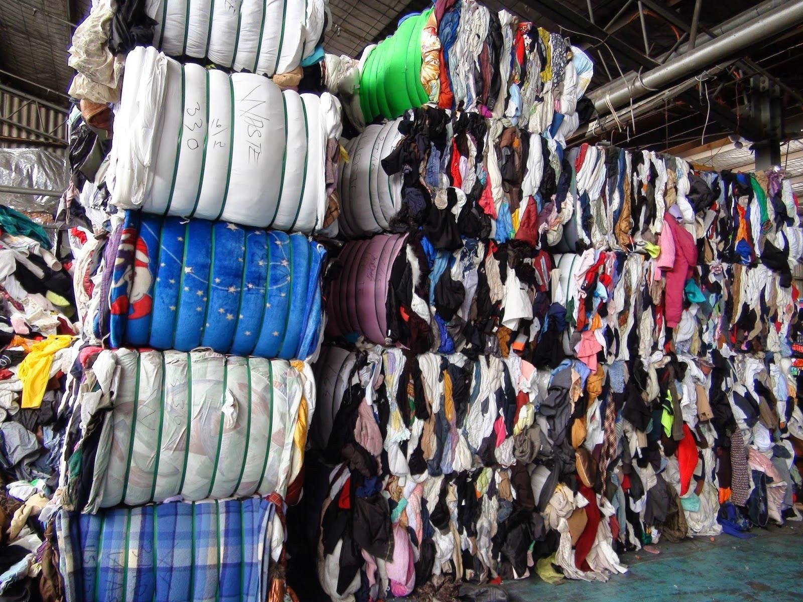 吉安公益旧衣回收箱,旧衣在环保公益的路上,实现真正的价值