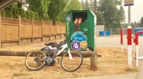 小区回收箱旧衣物回收箱放心,捐给真正需要它的人