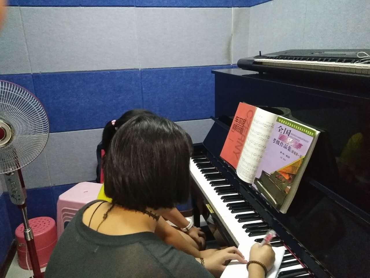 钢琴考级培训中