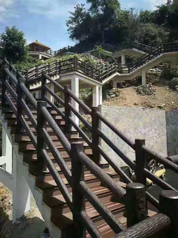 楼梯桥仿木栏