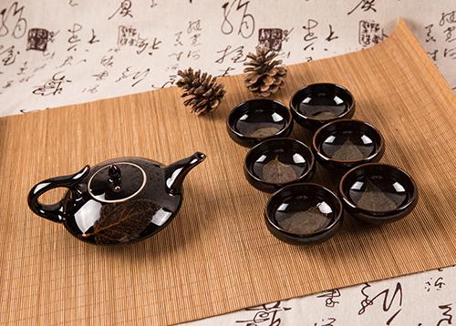 木叶天目茶具樟木箱