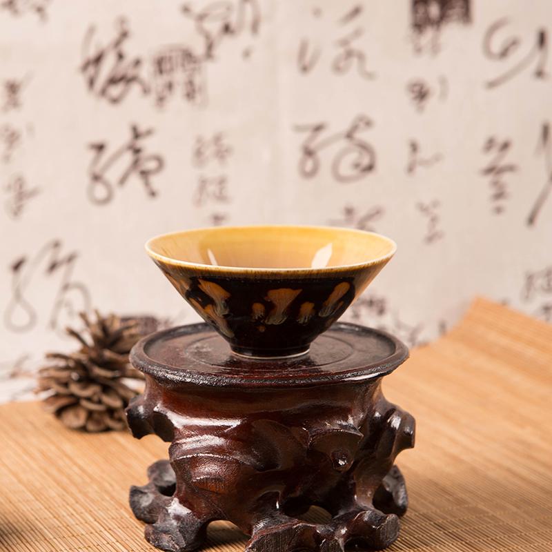 吉州窑瓷器在瓷系列中风格独树一帜