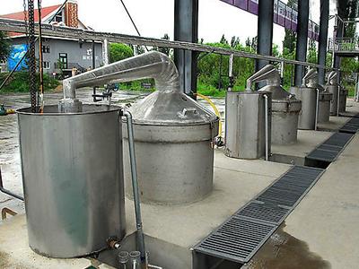 公司展示-蒸馏设备