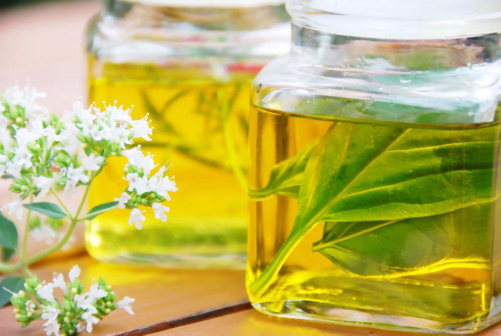 天然香精香料厂家告诉你如何辨别香精和精油吗?