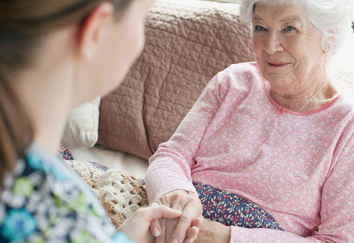 专业看护老人