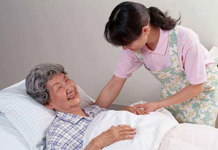 陪护照顾老人
