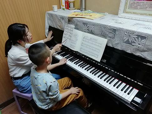 乌鲁木齐钢琴少儿培训