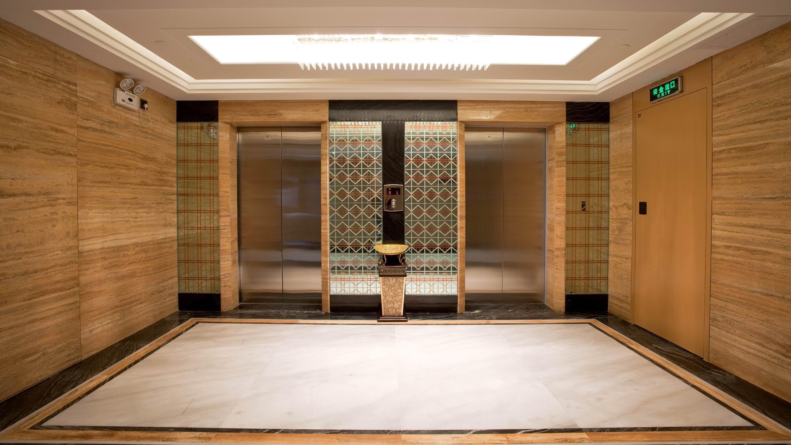 拉丝不锈钢渐渐成为电梯装饰的主流