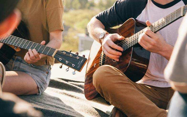 成人吉他培训的要求和护理吉他的方法有哪些