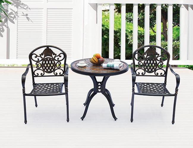 别墅阳台桌椅