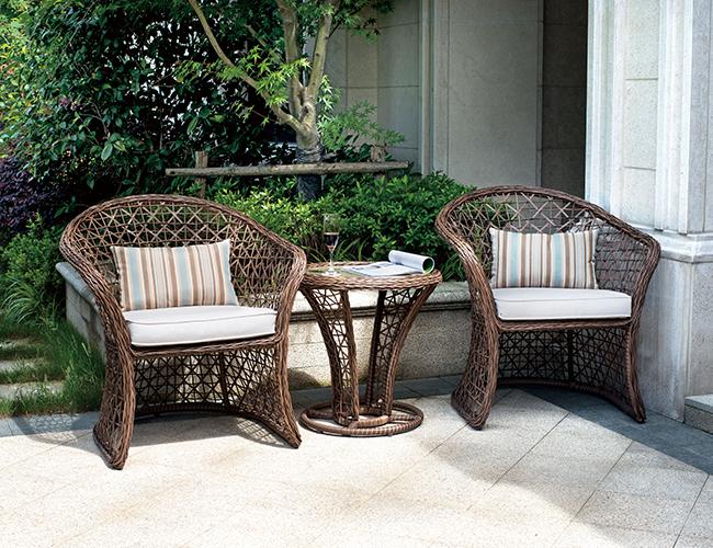 庭院编藤桌椅