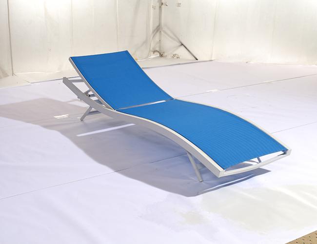 游泳池躺椅