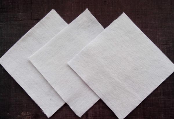 土工布如何防止反射裂缝?